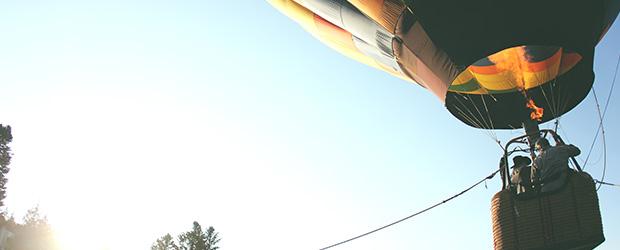 balon_cu_aer_cald_se_ridica
